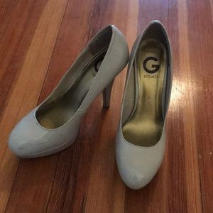Nude G by Guess pumps